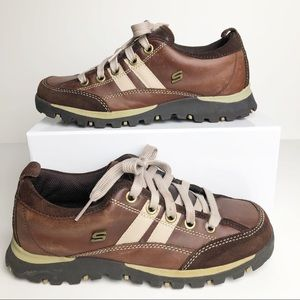 Women's Sketchers Sneakers In Toffee. 7.